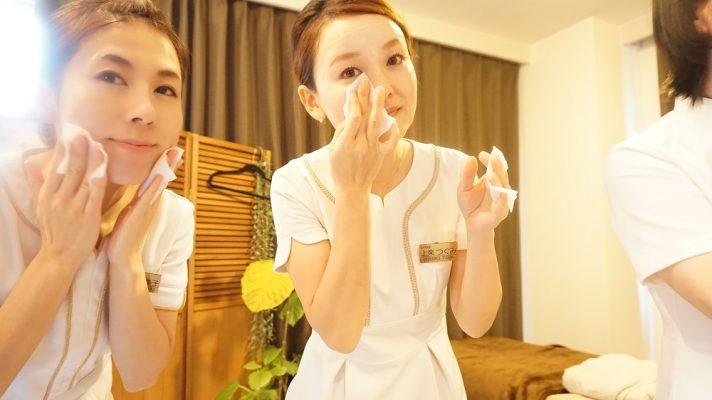 正しいクレンジングに、デュコラ化粧品の高濃度美容液クレンジングを