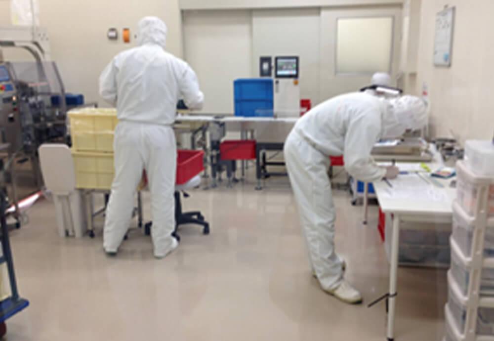 80年以上化粧品をつくり続けてきた日本の老舗化粧品工場で製造